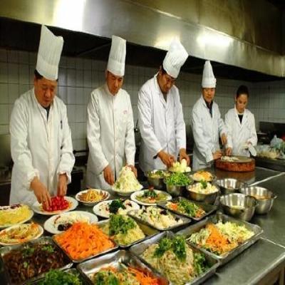 江门饭堂承包对食物库房的规矩和食堂出产专间的要求有哪些方面准则